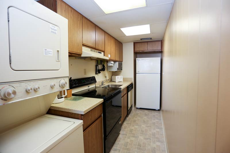 SeaTime 1bd condo kitchen