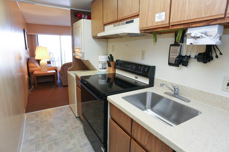 SeaTime 1bd kitchen view 2