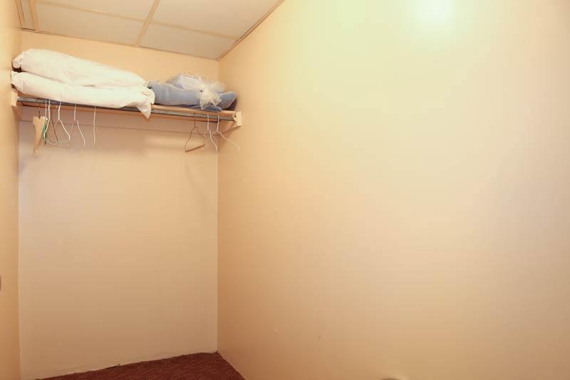 SeaTime 3bd condo closet