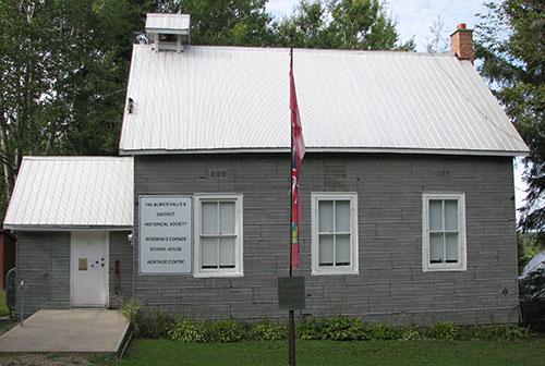 Wiseman's Corner School House Outside