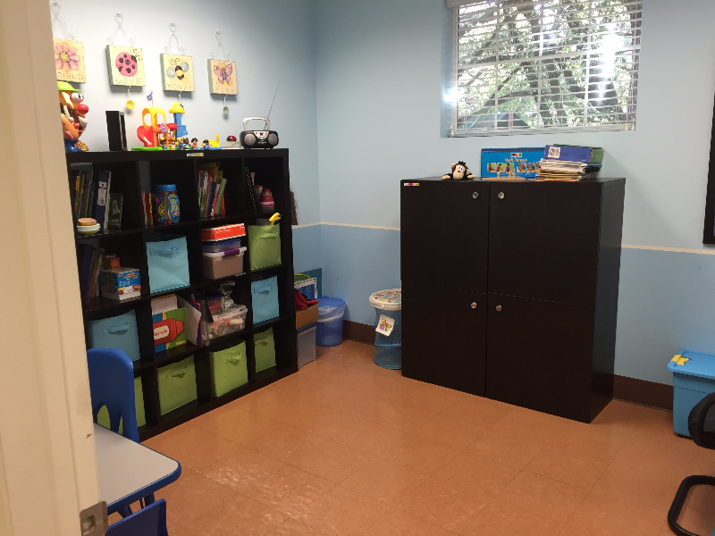 speech therapy treatment room