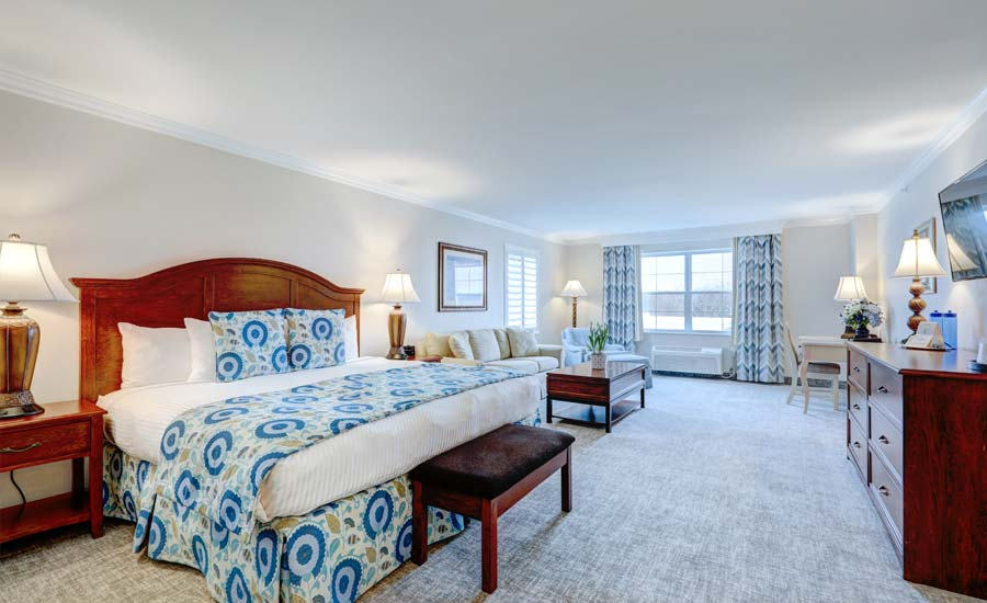 Suite-Sized King Hotel Room with views of Rehoboth or Lake Avenue