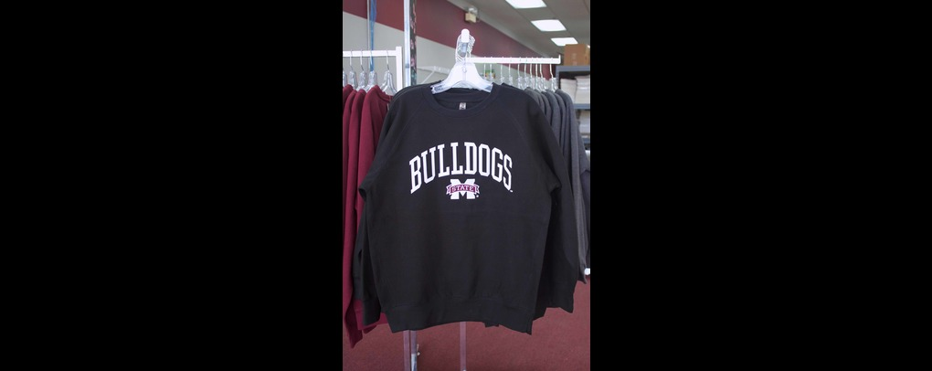 Bulldogs blk crew neck