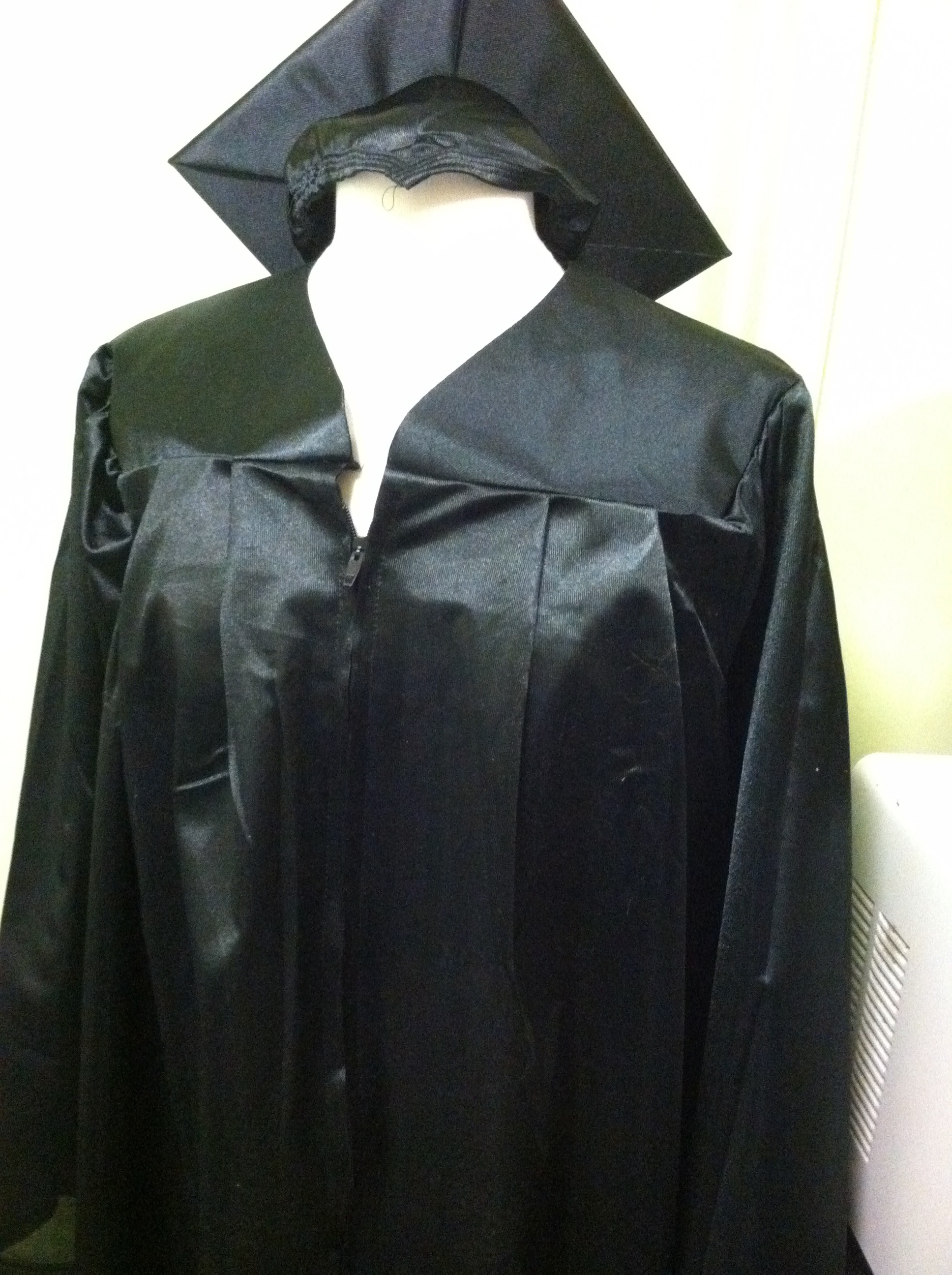 Mount Saint Mary College Bookstore: Bachelors Cap&Gown