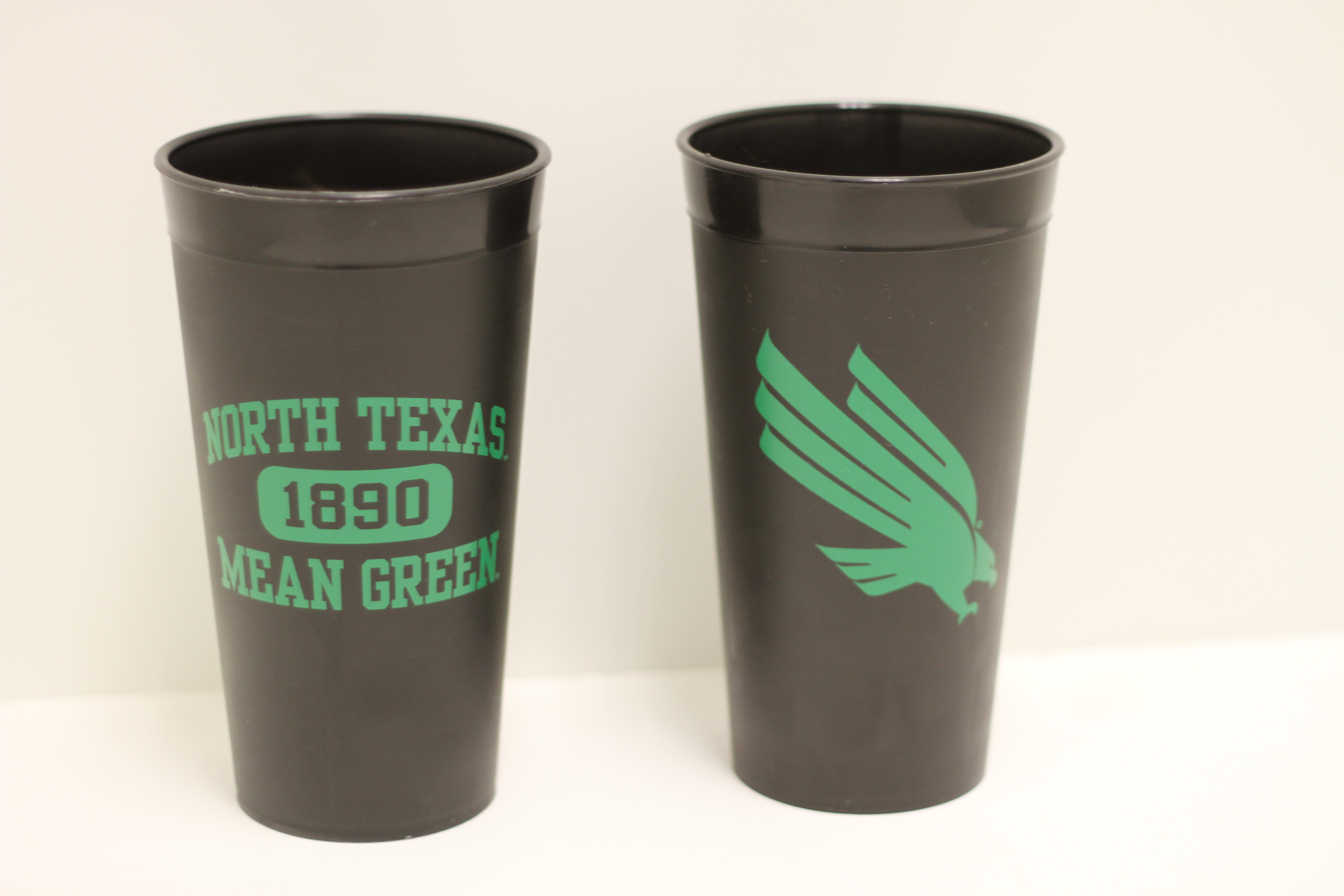 DOUBLE SIDED TAILGATE CUP