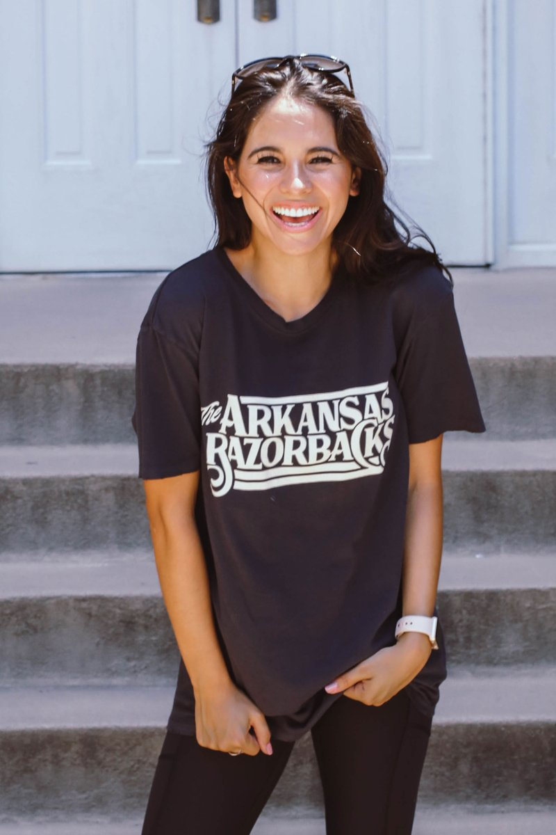 M Giddy Up Hogs Distressed SS Tee
