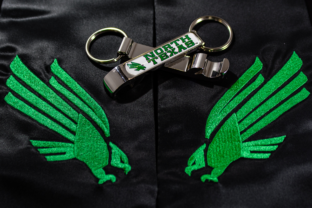 CLAW BOTTLE OPENER KEYCHAIN
