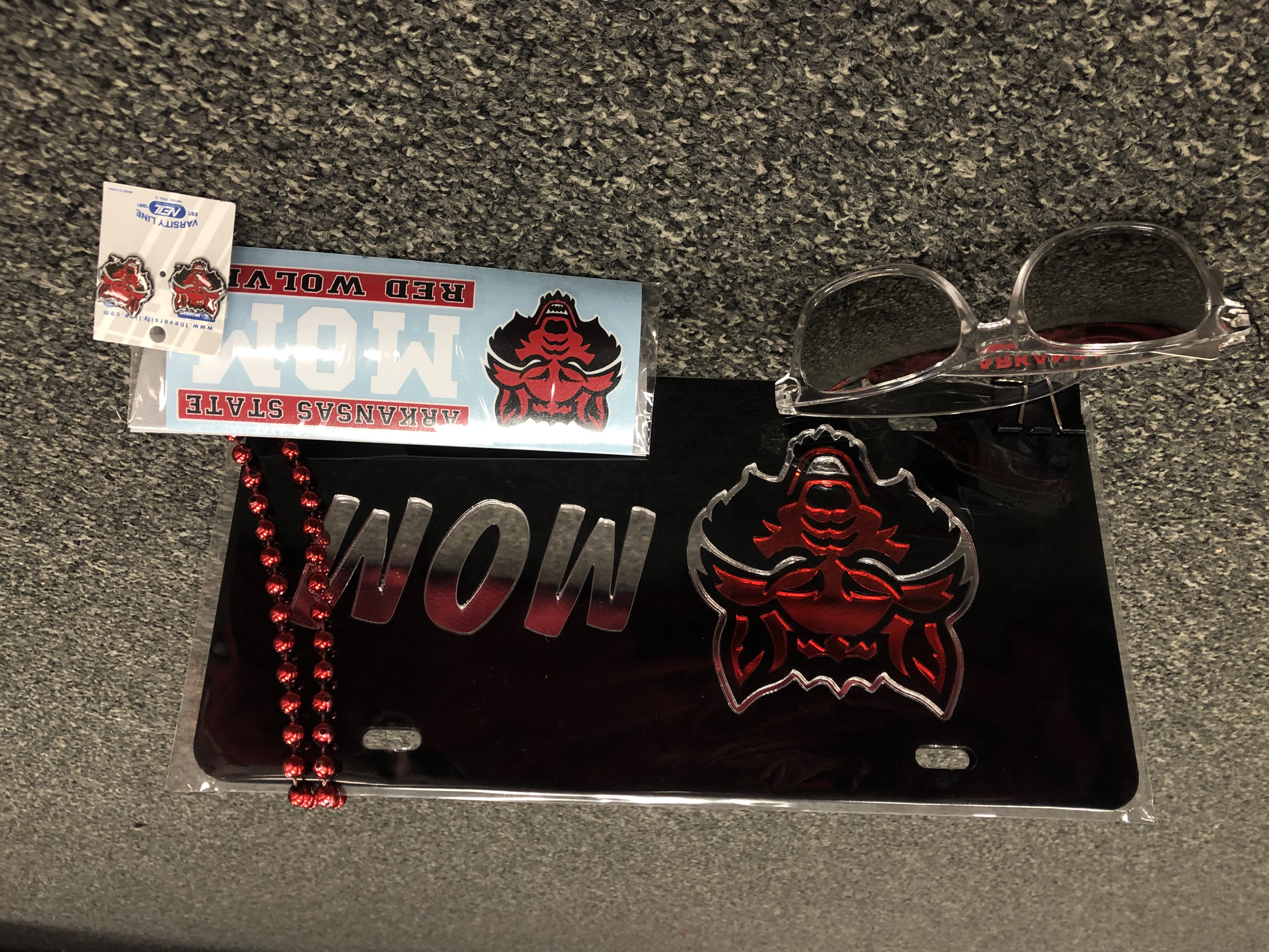 Red Wolves Mom Gift Pack #2