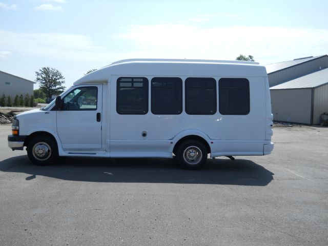 2004 Chevrolet Express Albany MN