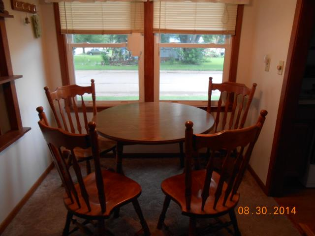 Solid Oak Kitchen table and chairs Glenwood MN