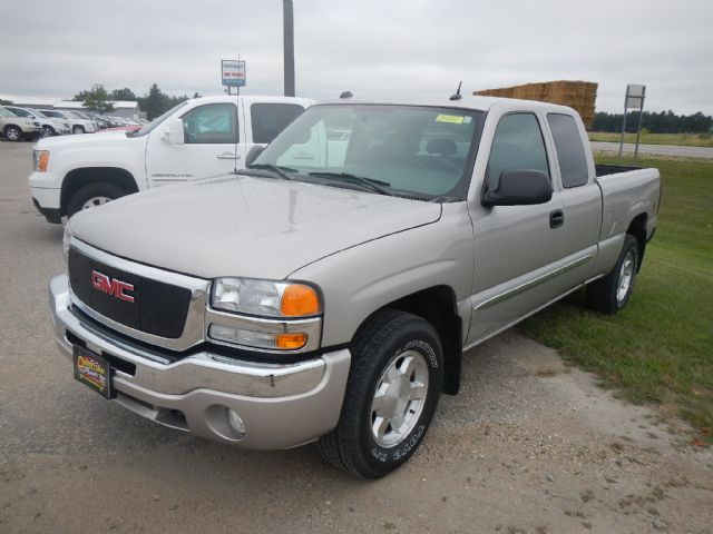 2004 GMC Sierra 1500 Fertile MN