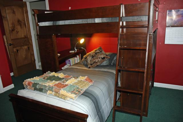 Twin Size Bunk Bed with 2 Twin Size Mattresses Alexandria MN