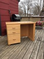 Solid Wood Desk  $50 - Alexandria, MN (56308)  42L Alexandria, MN