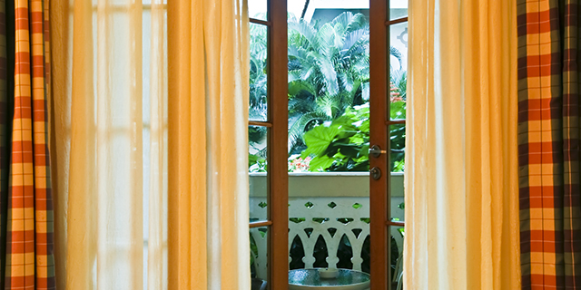 Blended fabric curtains to go with the colour theme of your house