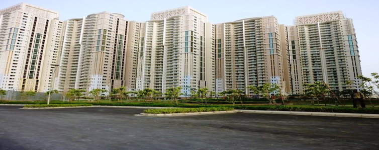 """Real estate major DLF Ltd has been accused of violating floor area ratio (FAR) norms to launch """"The Crest"""" on land that belonged to the Park Place project residents."""