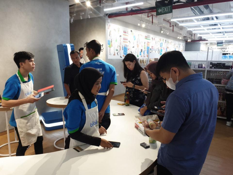 Indonesia's Blibli opens cashless physical store | BEAMSTART News
