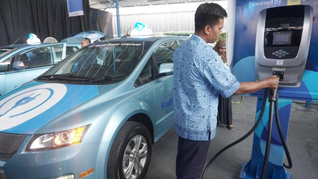 Indonesia's Blue Bird to roll out 200 e-taxis in 2020