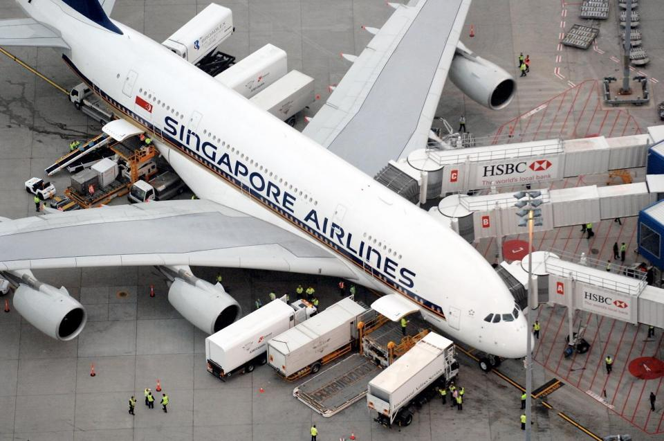 Singapore Airlines to cut up to 4,300 staff as travel industry slows. | BEAMSTART News