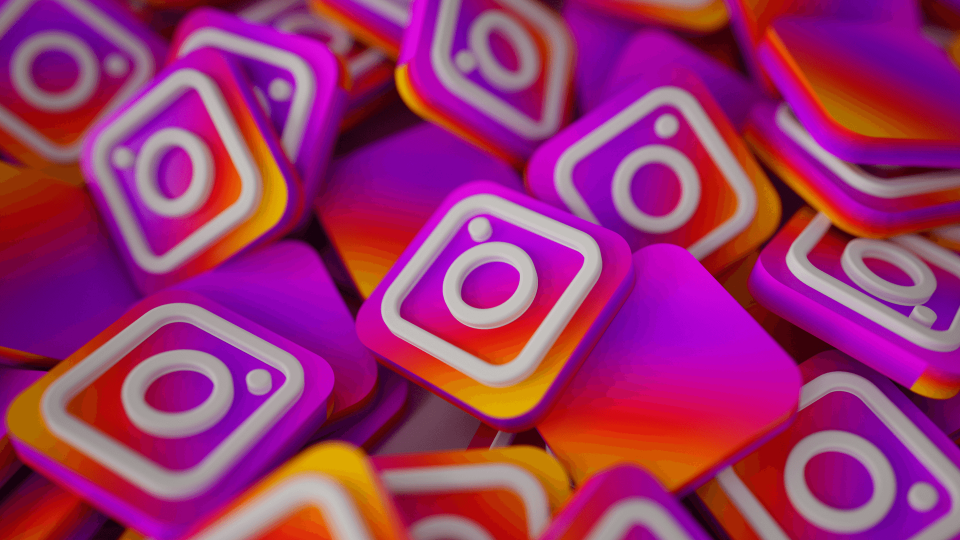 Website Links in Instagram Stories will soon be available to all users as a 'Link Sticker' | BEAMSTART News