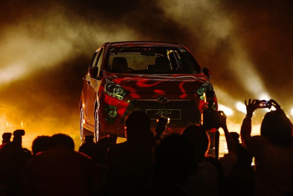 UMW to buy controlling stake in Perodua for RM500 million