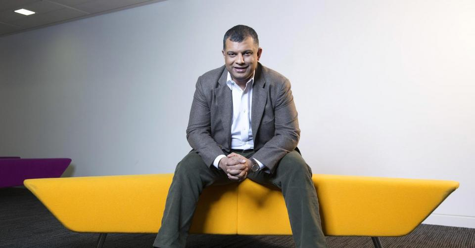 Why entrepreneur Tony Fernandes chose the airline sector | BEAMSTART News