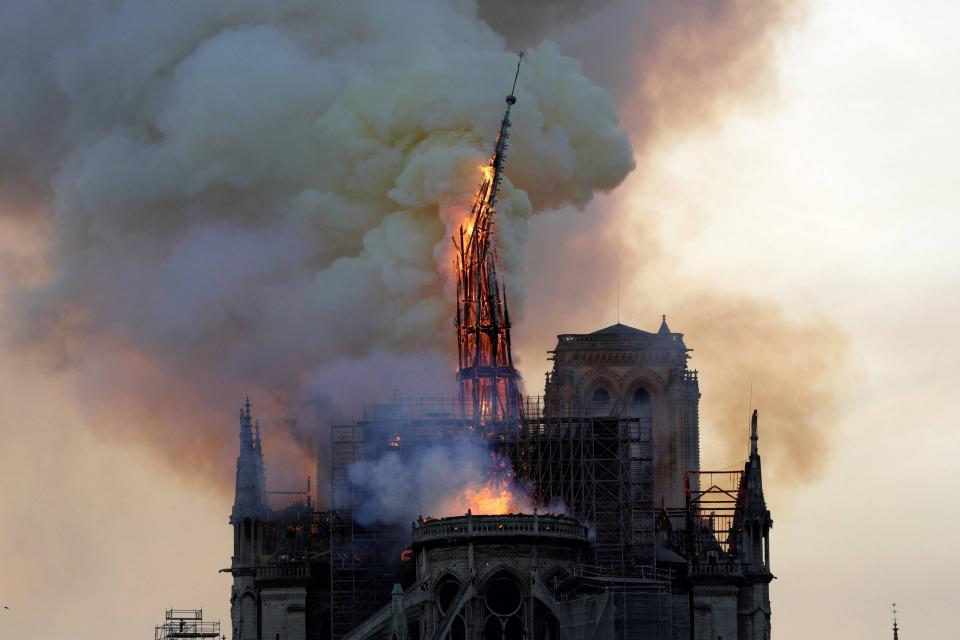Massive Fire Tears Through Notre-Dame Cathedral in Paris | Beamstart