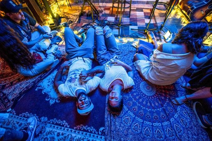 SoFar Sounds house concerts raises $25M, but bands get just $100   BEAM