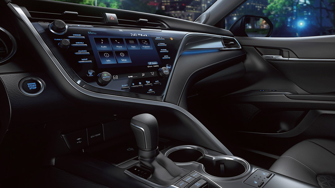 Toyota Camry Interior Technology Pictures