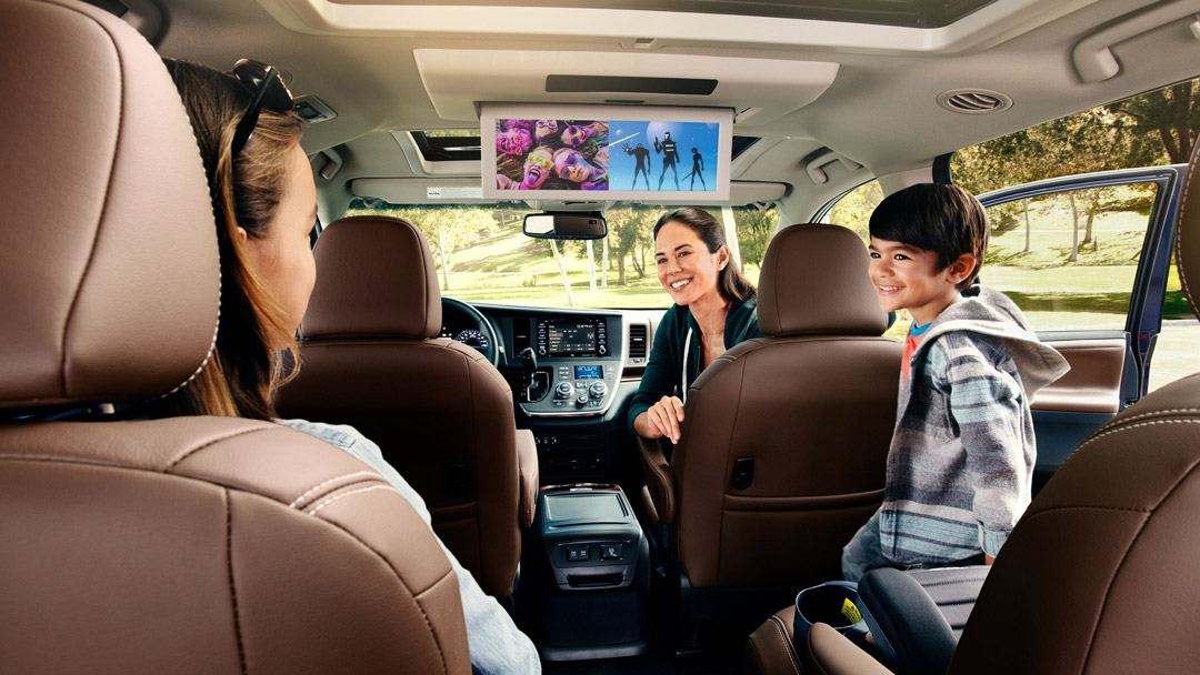 2019 Toyota Sienna Rear Row Screens