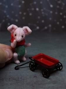 Tea cup piggy Sonya by Marina Blakytna - Bear Pile