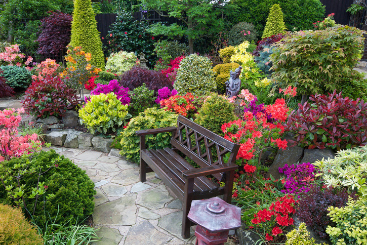 Ten great flower gardens to visit now beautifulnow is for Beautiful small home gardens