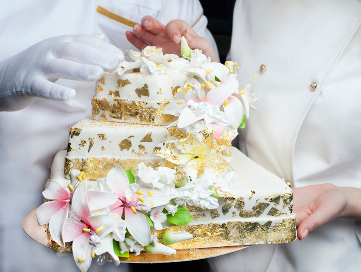 Edible Gold Leaf Cake Decorating : Amazingly Beautiful Ways to Make Your Food Shine Now ...