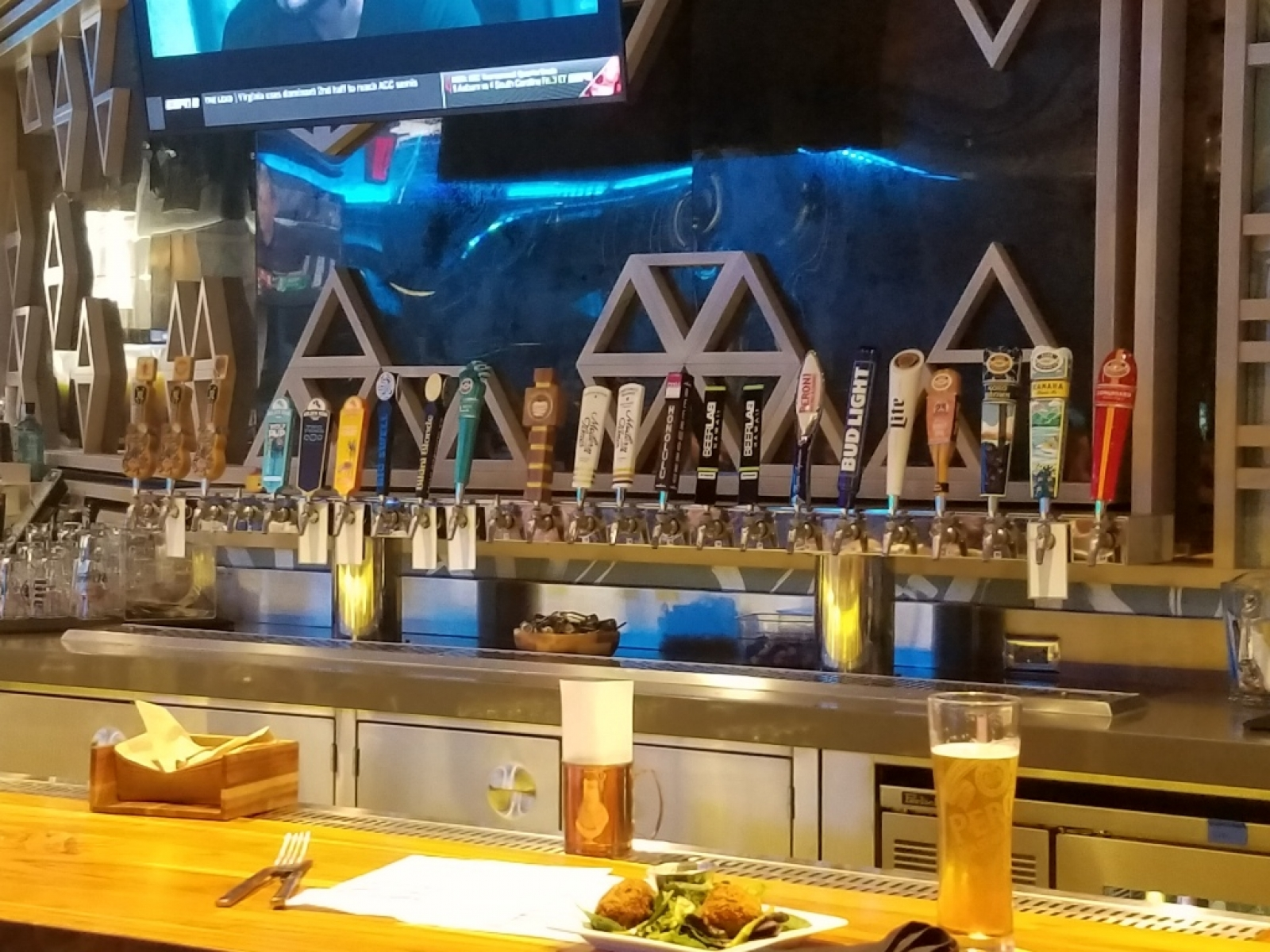 2nd deck taps at Two Tides
