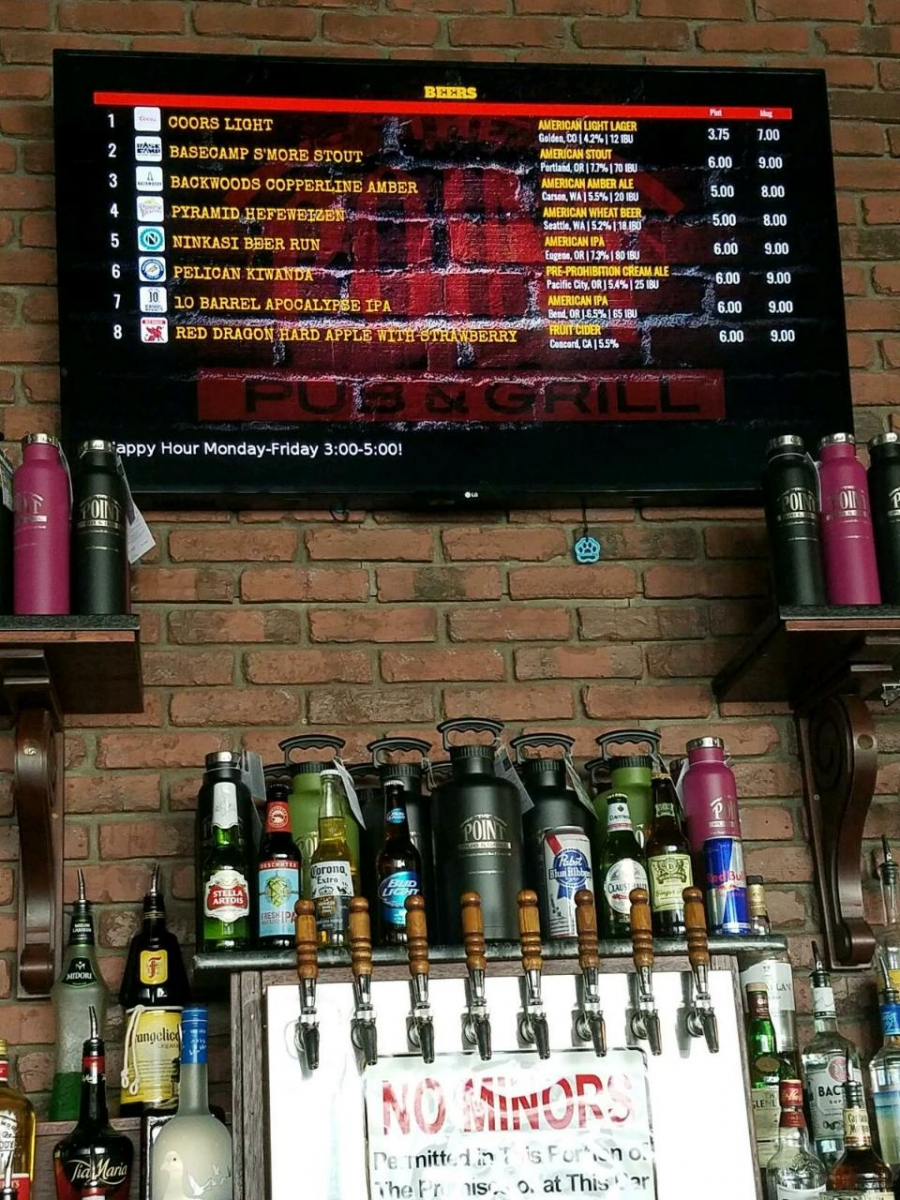 Taps and e-Tap List behind bar 0817