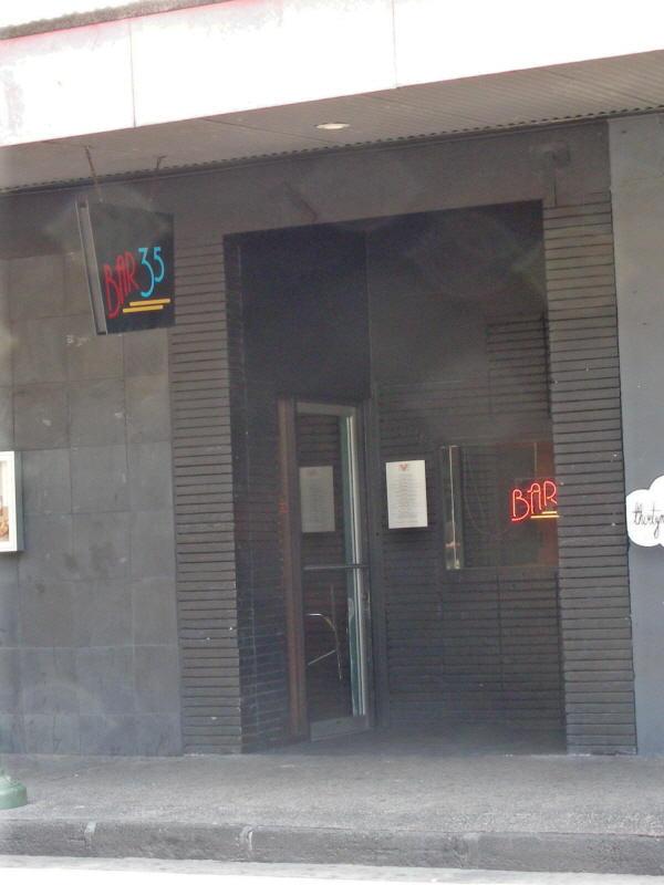 Bar 35 entry