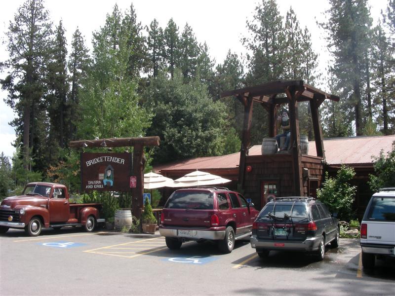 Bridgetender Tavern entry