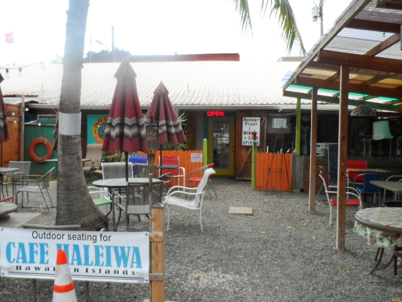 Rear entry Cafe and Bonzer