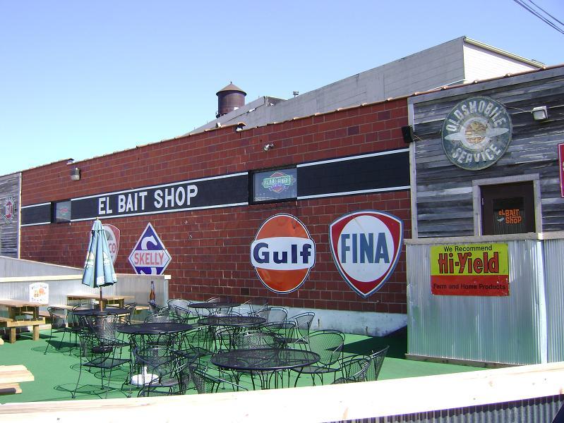 El Bait Shop exterior