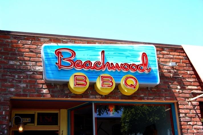 Beachwood BBQ front sign