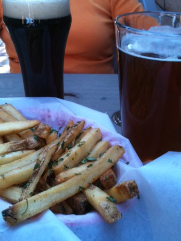 Oktoberfest, Brown, Garlic Fries