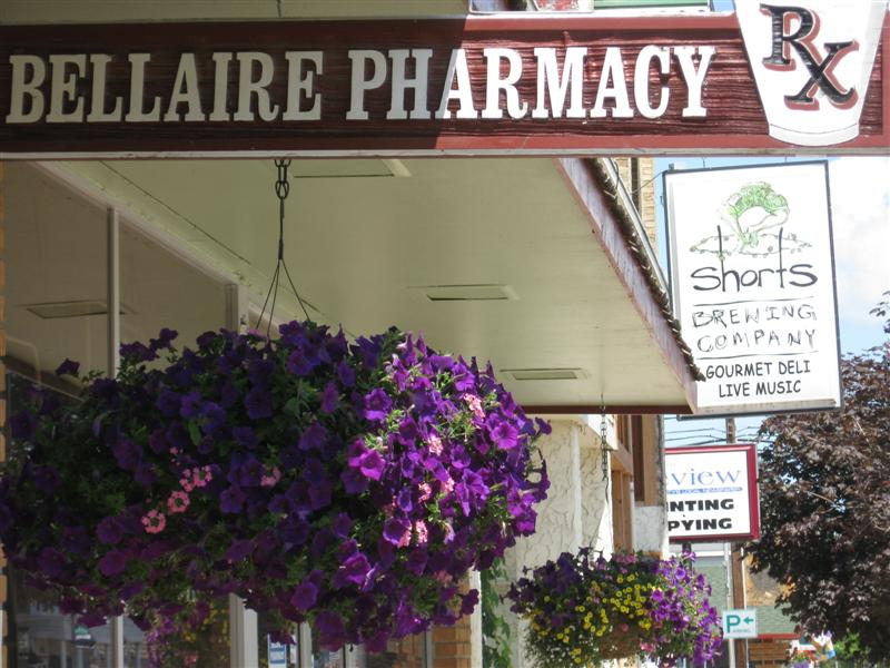 like the pharmacy sign and short's sign in the same shot