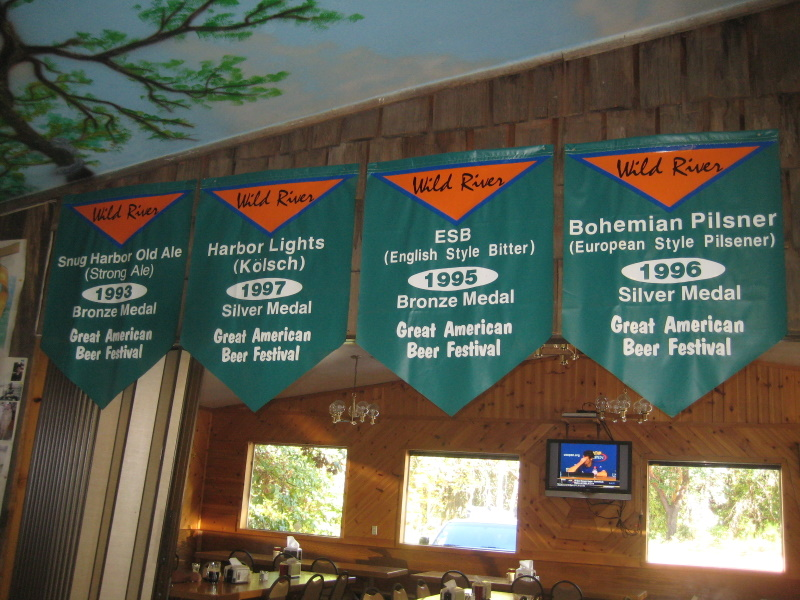Winner banners, a bit dated  2009