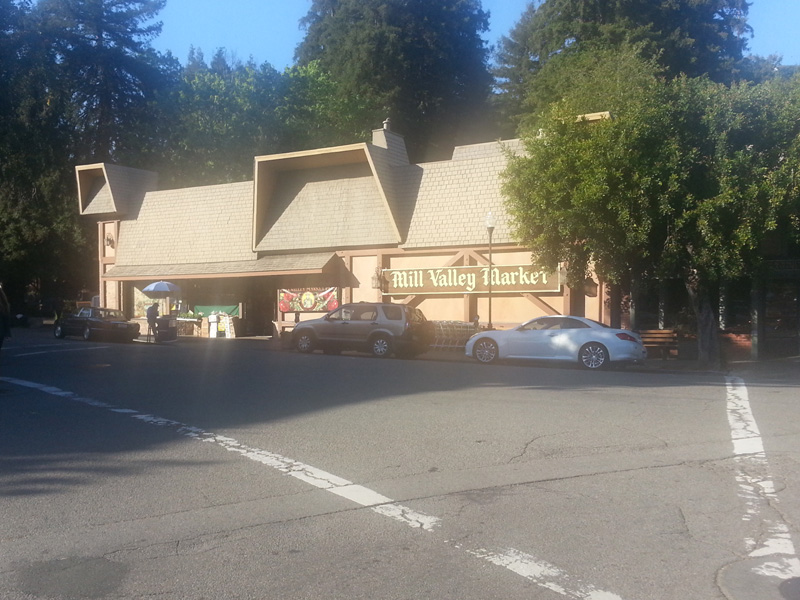 MV Market on corner