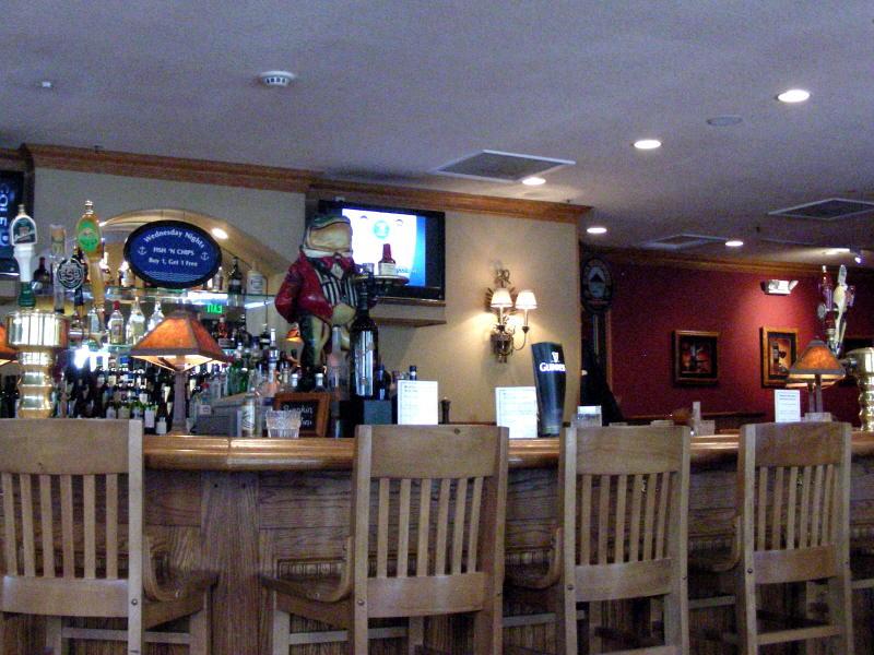 Bar with corner taps