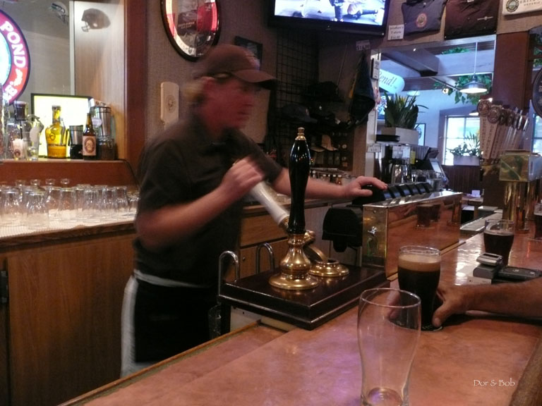 The handpump in action at the bar