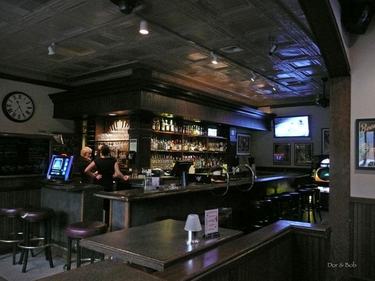 The lounge/bar