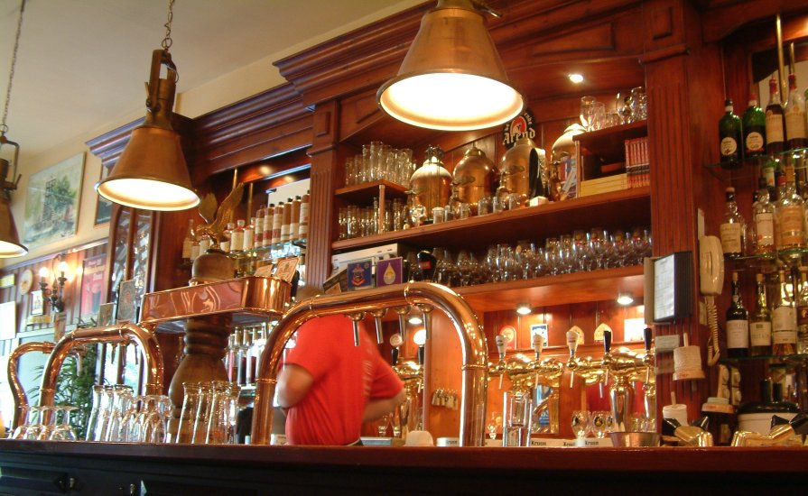 Beware the headless barman: beer, jenever and other spirits at 't Arendsnest