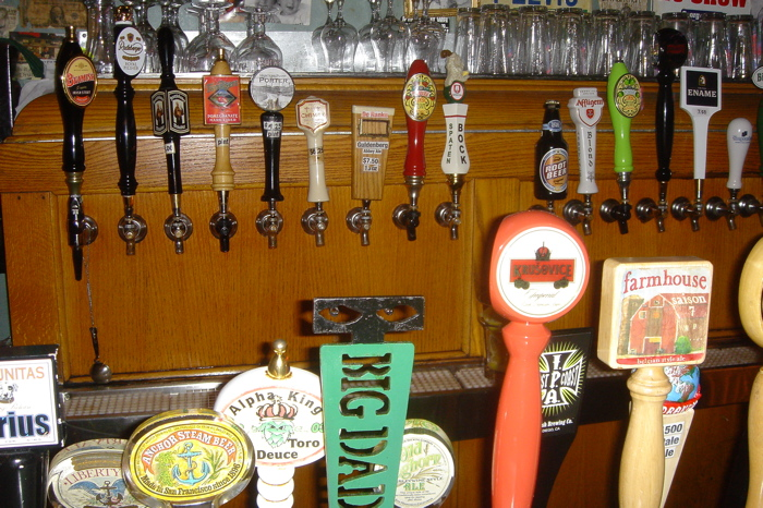 A few of the taps (best angle I could get at the crowded bar)