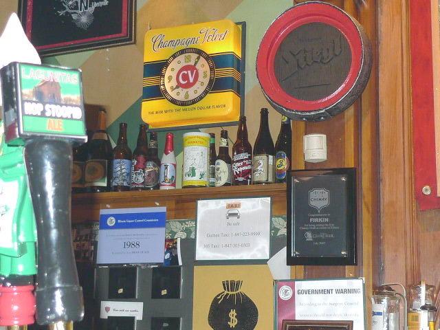 Firkin's functioning 'Champagne Velvet Beer' clock.