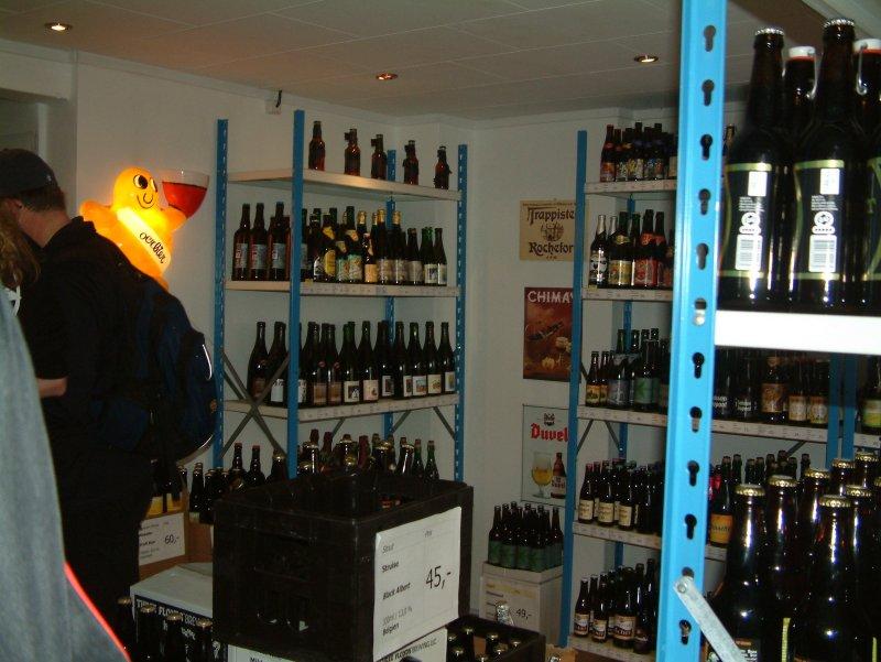 Ølbutikken shelving